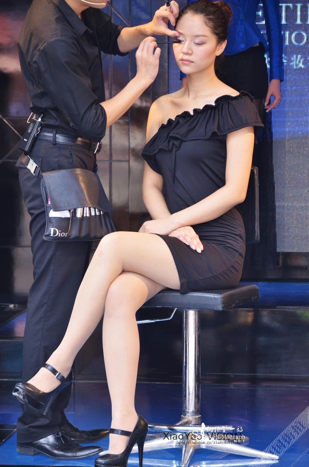 性感漂亮的Dior模特,短裙坐姿魅力迷人 图3